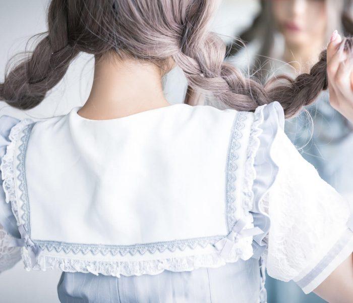 三つ編みの女の子